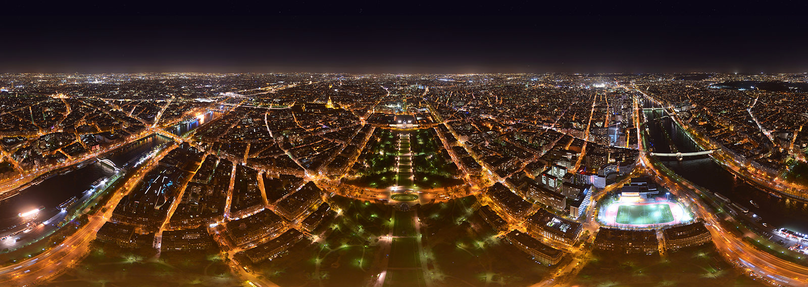 Top of Eiffel Tower, Paris - Virtual tour