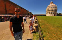 Self-portrait, Leaning Tower of Pisa - Virtual tour